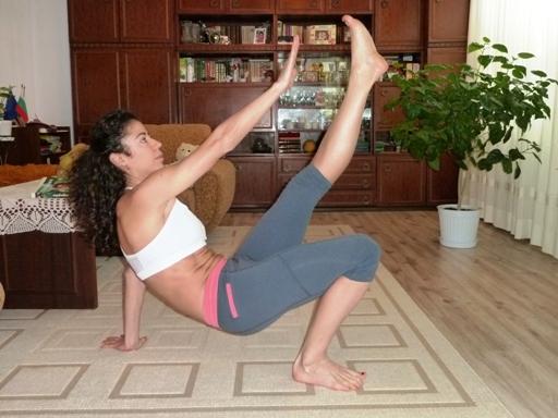 упражнение за корем