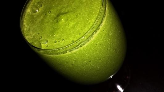 zeleno-smuti-s-ananas-8
