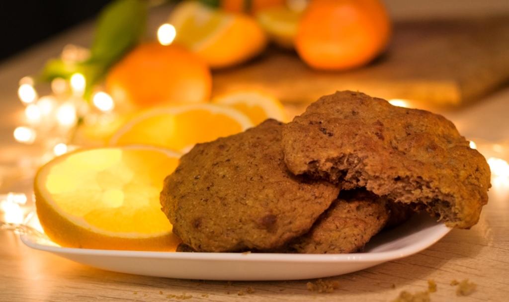 Портокалови, меки бисквито-курабийки