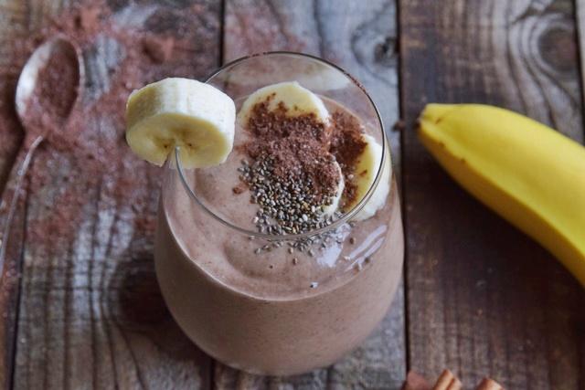 Шоколадово смути с чиа и банан
